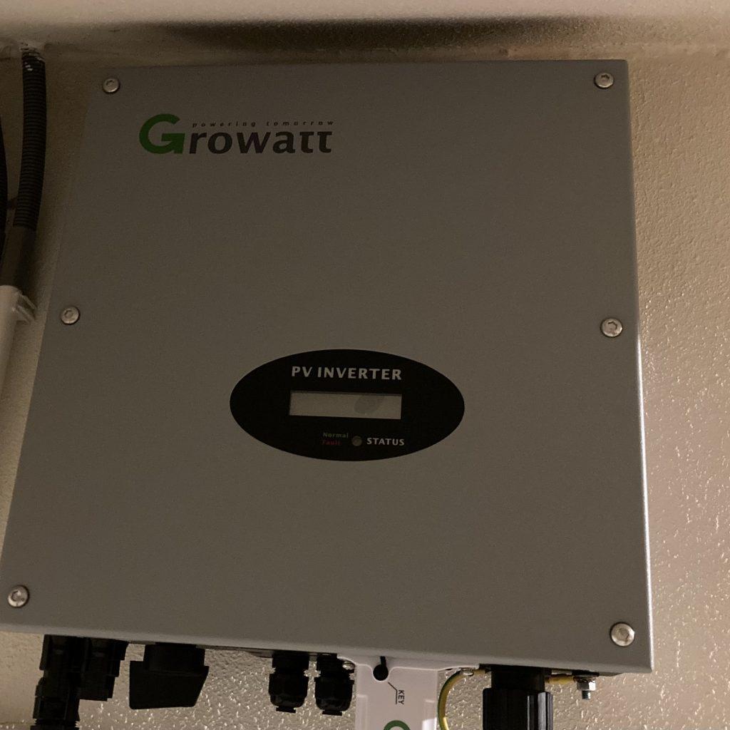 Growatt pv inverter voor Coolblue zonnepanelen.